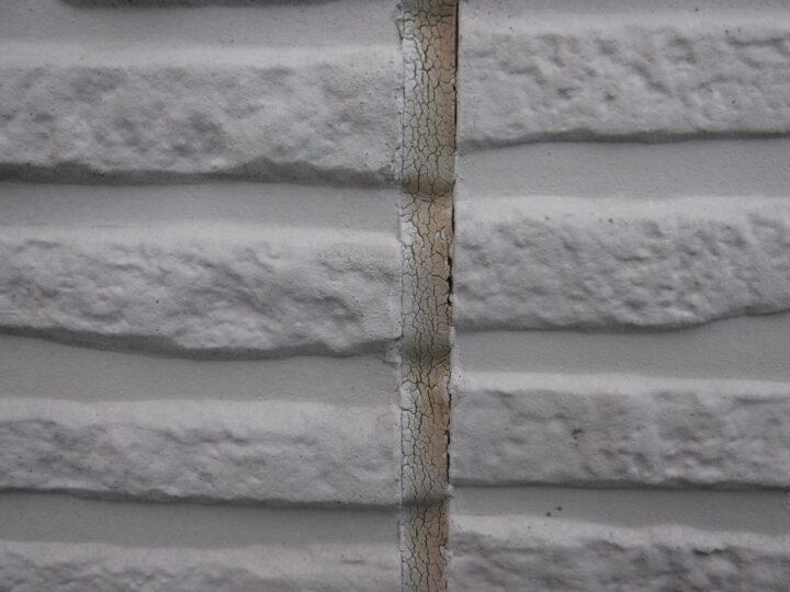 外壁 シーリングのひび割れ