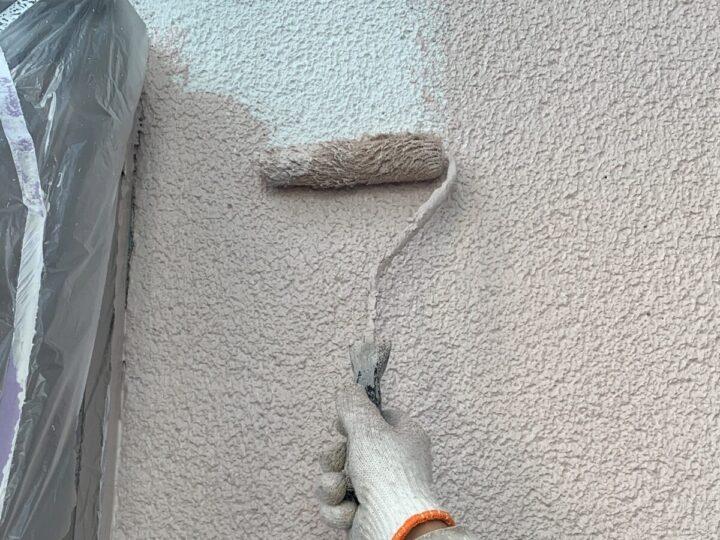 外壁中塗り 施工中