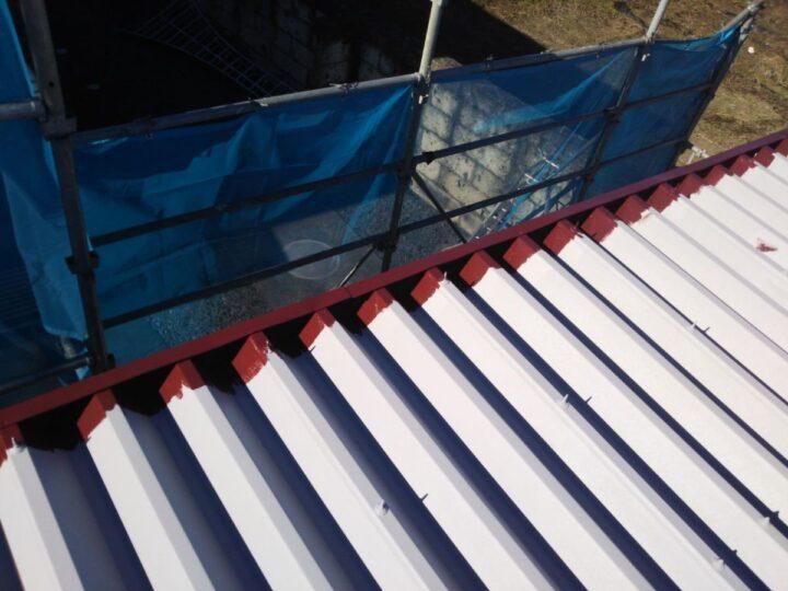 屋根塗装中塗