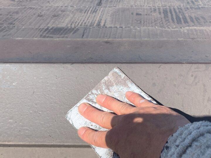 屋根 棟板金のケレン作業