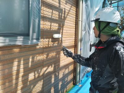 外壁塗装 クリヤー2回目