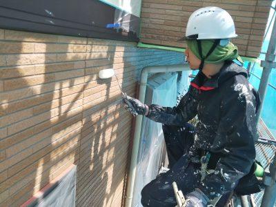 外壁塗装 クリヤー1回目